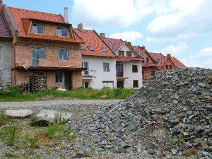 Výstavba nových rodinných domù v Havlíèkovì Brodì .