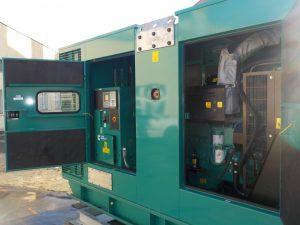 Nový dieselový agregát - zálohový zdroj napájení Foto: Coolhousing