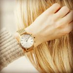 Na český trh přišly chytré hodinky Kronaby