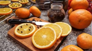 Sušený pomeranč a skořice