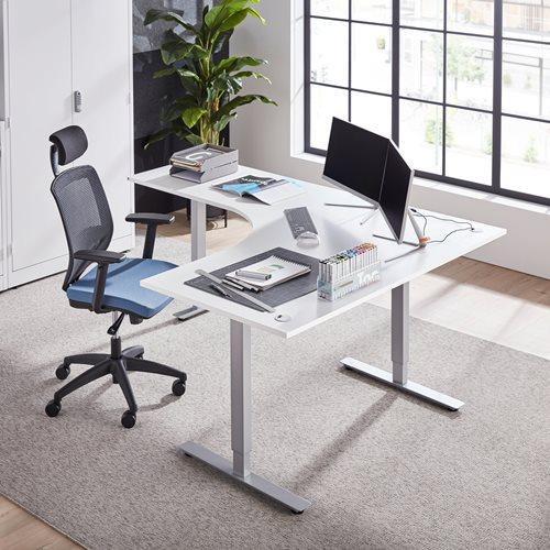 Výškově nastavitelný stůl Flexus, rohový