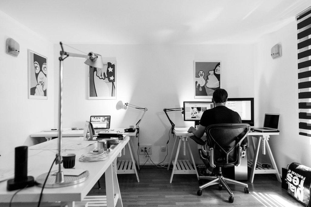 kancelářský stůl, kancelářský nábytek, kancelářská skříň